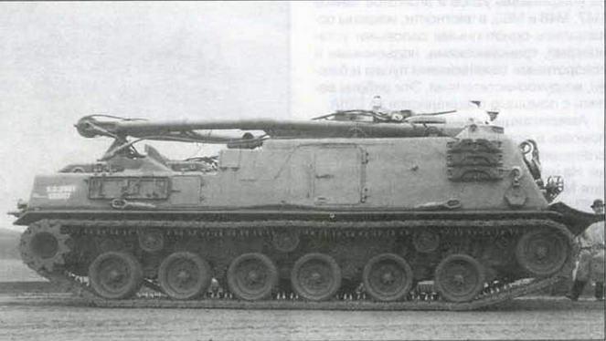 Опытный образец бронированной ремонтно-эвакуационной машины Т88. По расстоянию между опорными катками можно судить, насколько корпус БРЭМ удлинен, по сравнению с корпусом танка