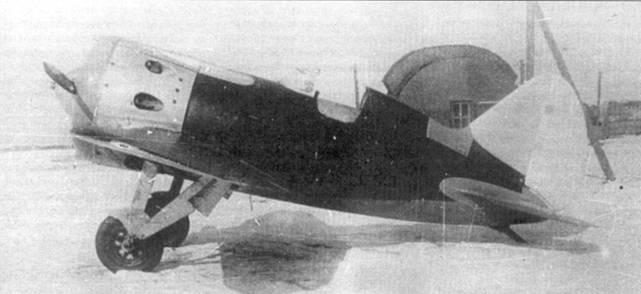 Вид сбоку на истребитель И-16 тип 10, 1937 г.