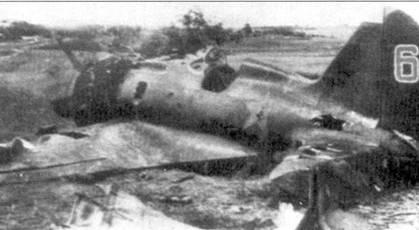 Брошенный на аэродроме Ставрополь истребитель И-16 из 20-й смешанной авиационной дивизии.