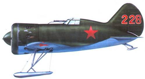 И-16, захваченный финнами в период Зимней войны в декабре 1939 г. Обратите внимание на необычный для ВВС РККА трехзначный бортовой номер.