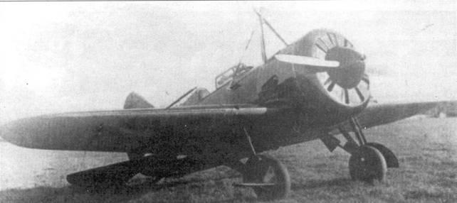 Истребитель И-16 с у злом подвески под авиаматку ТБ-3.