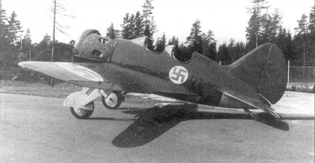 В ВВС Финляндии самолет УТИ-4 изначально имел идентификационный код «УН-22», измененный 28 ноября 1941 г. на «Ь'Т-1».