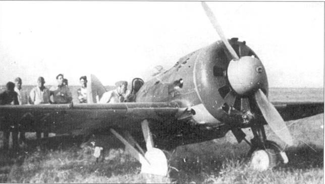 Подготовка в вылету румынского И-16.