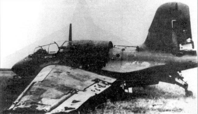 J8M1, брошенный ни базе NAS Clenview, поблизости от Чикаго.