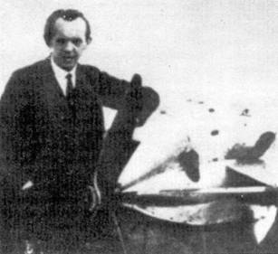 Профессор А. Липпиш на аэродроме Темпелъхофф, Берлин, 1929 год.