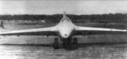Два снимки Me 163А (V4, KS+SW), Пенемюнде. Самолет только что оснащен закрылками.