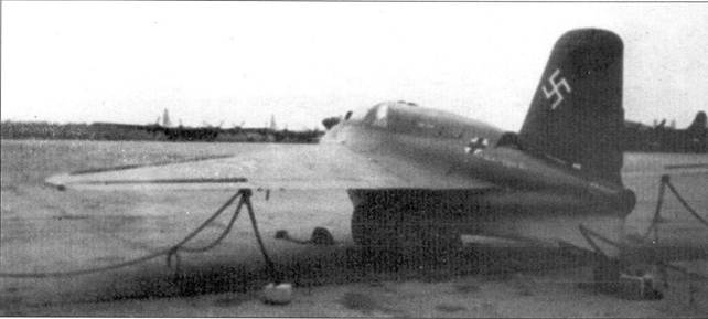 Me 163В, вероятно снятый уже после войны на территории США.