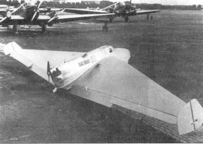 Delta I во время летных испытаний, проводимых Г. Грёнгоффом, Берлин, 1931 год.