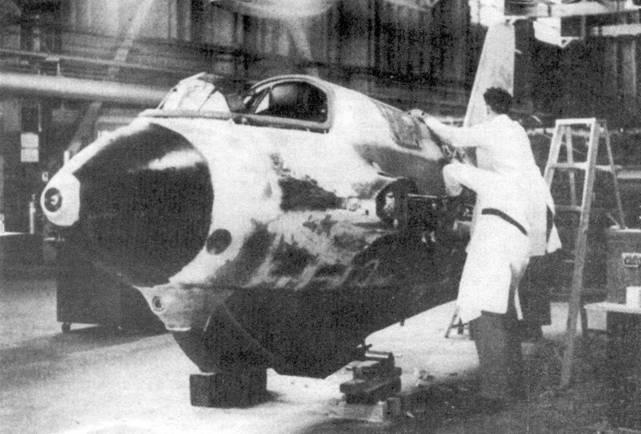 Me 163 W.Nr. 191916 во время ремонта в National Aviation Museum, Оттава.