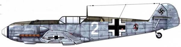 Bf 109Е-4 из II./JG 52, Битва за Британию, август 1940 г. Эмблема обычно сопровождалась надписью УCott strafe EnglandY («Боже, покарай Англию»). Верхние поверхности: RLM 70 и 71. Боковые поверхности: RLM 75(?). Нижние поверхности: RLM 65.
