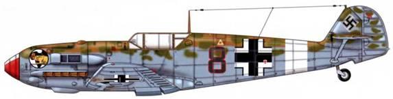 Bf 109Е-7/Trop из 8./jg 27, Ливийская пустыня, лето 1941 г. Пилот Leutnant (лейтенант) Вернер Шрёр. Верхние поверхности: RLM 79/80. Нижние поверхности: RLM 78. Поскольку этот самолет идентифицируется как Е-7, кок винта у него должен быть в принципе заостренным.