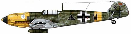 Bf 109Е-7/В из 15./JG 27, <a href='https://arsenal-info.ru/b/book/187274158/1391' target='_self'>восточный фронт</a>, конец 1941 г. Пилот comandante (майор) Анхель Салас. Самолет принадлежит «Голубой дивизии», сформированной из добровольцев-франкистов, и включен bJG 27. Верхние поверхности: RLM 71. Нижние поверхности: RLM 65. Hoc: RLM 04.