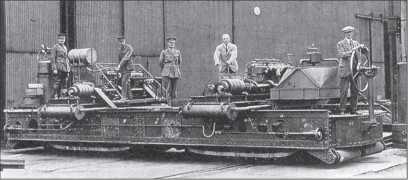 Испытание вездеходного шасси для машины, «переступающей окопы», по проекту Э. Б. Кромптона.