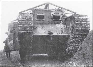 Танк MK I «самка» танковой роты С в районе Соммы, октябрь 1916г.