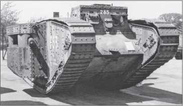 Танк Mk II «самка» номер F53 (танковый батальон F) в музейной экспозиции. Хорошо видна установка пулемета «Виккерс» с бронированием кожуха.