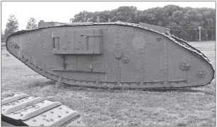 Тот же танк Mk IV «самка», вид слева. Амбразуры спонсона заглушены.