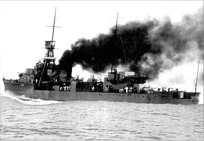 На ходовых испытаниях 5 июля 1923г. легкий крейсер «Юбари» развил скорость полного ходаи в 34,8 узлов. Сильное дымообразование на высоких скоростях хода оставалось «бичом» всех японских кораблей в годы Второй мировой войны. Благодаря черному дыму корабли легко обнаруживались наблюдателями противника.