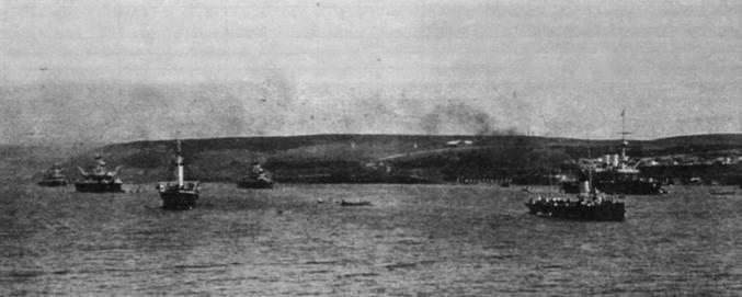 Эскадра покидает Севастополь