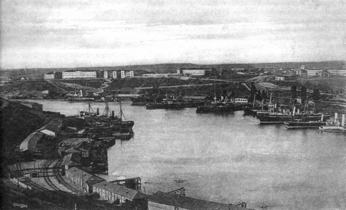 Севастополь. Практическая эскадра в Южной бухте. (С открытки того времени)