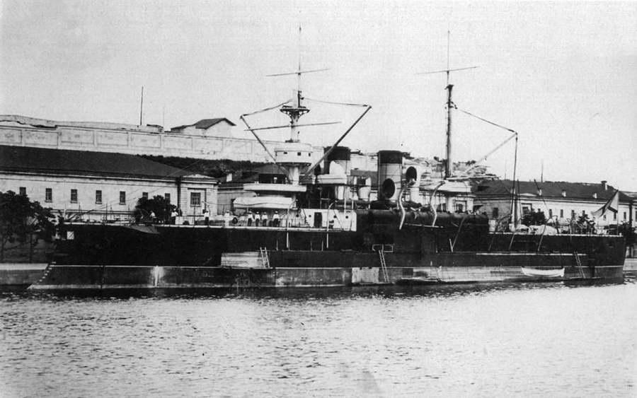 """Броненосец """"Двенадцать Апостолов"""" перед уходом в Севастополь. Апрель 1892 г."""