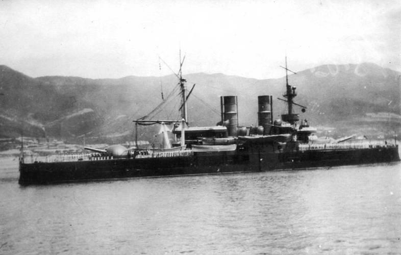 Во время кампании 1897 г. (фото вверху)