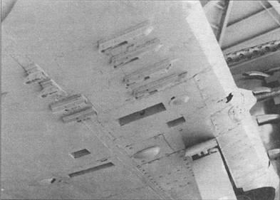 Крупный шин крыльевых бомбодержателей на «Зеро» модель 63. Снимок сделан и музее Арашияма. Этот «зеро» поднят со дна озера Сива недалеко от Киота и восстановили.