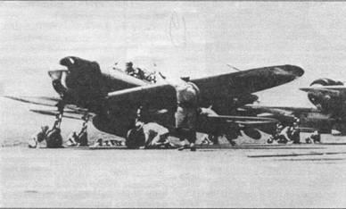 «EII-140», летчик в кабине того истребителя ожидает сигнала на взлет.