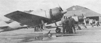 Крыло самолета «Зеро» модель 32 имело в плане форму с обрезанными законцовками. На модели 32 не было отклоняемых вверх полукруглых законцовок крыла. Новый кок воздушного винта имел несколько более полные обводы по сравнению с коками винтов «Зеро» ранних вариантов. Лопасти воздушного винта модели 32 длиннее лопастей винта истребителя A6M2 модель 21. Капоты запечатленных на снимке самолетов скорее не чисто черные, а черно-синие.