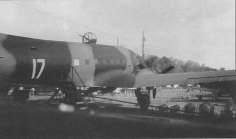 Ли-2 выпуска конца 1940-х гг. с макетом верхней турели стоит на Поклонной горе в Москве