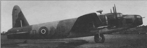 «Веллингтон» С.XVI из 24-й эскадрильи. Носовая и кормовая турели просто нарисованы на обшивке