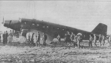 S.75 из 1-й транспортной группы итальянских ВВС, использовавшийся королем Умберто II, потерпел аварию при посадке в Пизе в декабре 1944г.