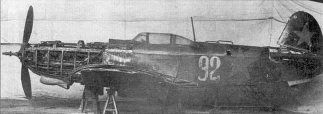Этот Як-9Т-37 разобран по косточкам на полигоне Берлин-Адлерсхоф. Машина с серийным номером 0315364 принадлежала 3-му ИАК генерала Савицкого. Обратите внимание на дульный тормоз 37-мм пушки.