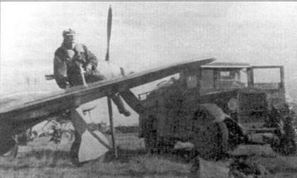 Заправка горючим Як-9Т. Машина стоящая рядом с Яком, это аэродромный заправщик типа БЗ-335, на базе шасси ЗиС-6.