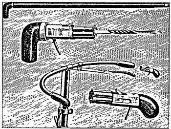 Комбинация шестизарядного револьвера («пепербокса») со стилетом, замаскированная в трости (вверху) или руле велосипеда внизу.