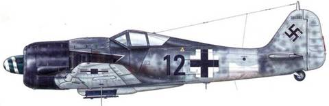Fw 190A-8/R8 из IV.(Sturm)/JG 3. Идентификационная полоса на фюзеляже этого самолета нанесена не полностью, так что видна только ее нижняя часть.