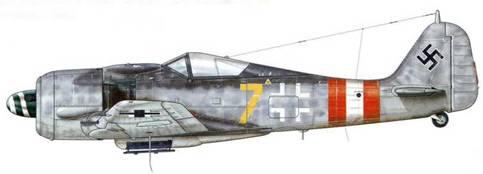 Fw 190А-8 из I./JG 6, Дельменхорст, Германия, зима 1944-1945 гг. В конце марта 1944 г. авиагруппа I./JG 6 была расформирована, как и три других подразделения (l./JG 11, III./JG 26 и III./JG 301), поскольку они понесли слишком большие потери. Однако новое подразделение не просуществовало долго, поскольку оно было сформировано в августе 1944 г. на базе укомплектованного самолетами Me 410 ZG 26, также понесшего тяжелые потери.