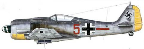 Fw 190A-8 из 7./JG 26, Монс-ан-Шоссе, Франция, август 1944 г. Этот самолет с коричневой маркировкой «5+ -», который пилотировал Unteroffizier Курт Пецш, был сбит 25 августа 1944 г.