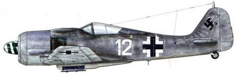Fw 190A-8 из 1 ./JG 54, Шрунден, Германия, декабрь 1944 г. Пилот – Oberleutnant Йозеф Хайнцеллер (35 подтвержденных побед) – Staffelkapitan этого подразделения.