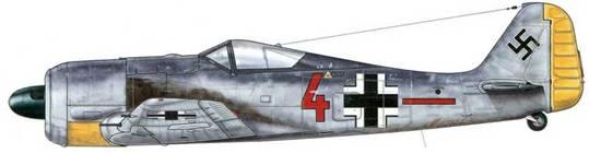 """Fw 190А-1 из 6./JG 26 «Schlageter», Моорзееле, Бельгия, осень 1941 г. Код на фюзеляже этого самолета нанесен коричневой краской (RLM 26), что было присуще 3., 6. и 9. эскадрильям (Staffeln)<a href=""""#b1"""" type=""""note"""">*</a>. К 22 июня 1941 г. истребительная авиация (Jagdwaffe) располагала на Западном фронте только авиасоединениями JG 2 и JG 26. Самолеты Fw 190, входившие в эти авиакрылья не имели на фюзеляжах своей эмблемы для того, чтобы скрыть тот факт, что остальные подразделения были переброшены на восток."""