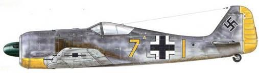 Fw 190A-3 из 9./JG 2, Ванн-Мюкон, Франция, декабрь 1942 г. Пилот – Leutnant Бруно Эдер.