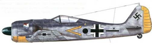 Fw 190А-4, из Stab NAGr 13, Сен-Бьёк, Франция, май 1941 г. Nahaufklarungsgruppen являлась подразделением ближних разведчиков. На самолет нанесена символика Stabschwarm.