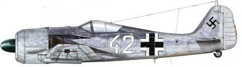 Fw 190А-5 из Erprobung und Lehr Kommando 25 (Erpr.u.Lehr Kdo 25), Ахмер, Голландия, июнь 1943 г. Пилот – Hauptmann Хорст Гейер Kommandof hrer этого учебного подразделения. Этот самолет оснащен ракетными установками WGr 21, расположенными под крыльями. Изначально ставилась задача разбивать при их помощи построения «коробок» бомбардировщиков. Однако в конце концов их применение оказалось не вполне эффективным, поскольку ракеты не были достаточно точны. Машина, пилотируемая Unteroffizier В. Топпом, была потеряна 30 ноября 1943 г.