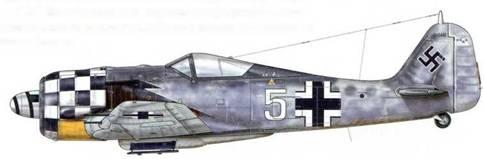 Fw 190А-6 из 1./JG 1, Делен, Голландия, октябрь 1943 г. Пилот – Unteroffizier Рудольф Хюби. На своем счету Хюби имел четыре подтвержденные победы: В-17 – 18 марта, другая «Летающая крепость» – 13 июня, самолет Королевских ВВС Великобритании – 7 июля и еще один В-17-19 августа.