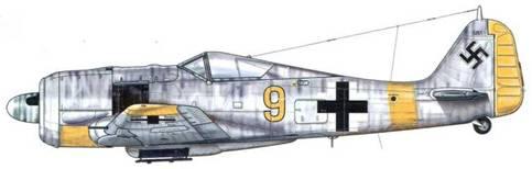 Fw 190A-6 из 3./JG-51, Минск, Белоруссия, декабрь 1943 г. Пилот – Hauptmann Хельмут Ланге. На этом самолете, верхние части которого были полностью покрыты белой краской, желтая идентификационная окраска концов крыльев не распространялась дальше элеронов.