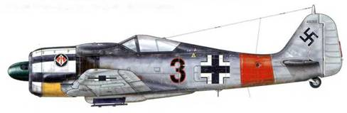 Fw 190А-7 из 2./JG 1, Дортмунд, Германия, январь 1944 г. Капоты моторов самолетов, принадлежавших штабу подразделения JG 1, были полностью выкрашены белой краской, по которой затем наносились горизонтальные черные полосы. Такая раскраска была введена взамен «шашечек», которая использовалась прежде (см. стр. 39), но также постепенно была устранена, начиная с февраля 1944 г.