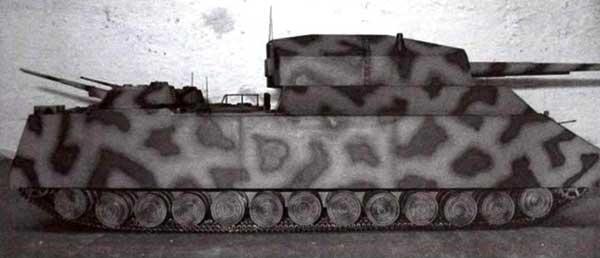 Модель одного из вариантов сверхтяжелого танка «Крыса»