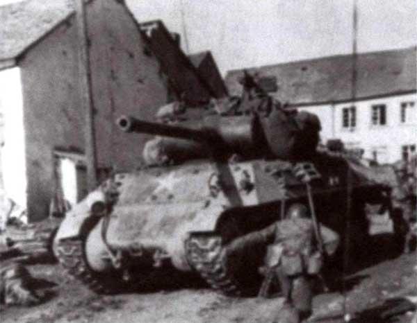 Американский истребитель танков М36, вооруженный 90-мм пушкой