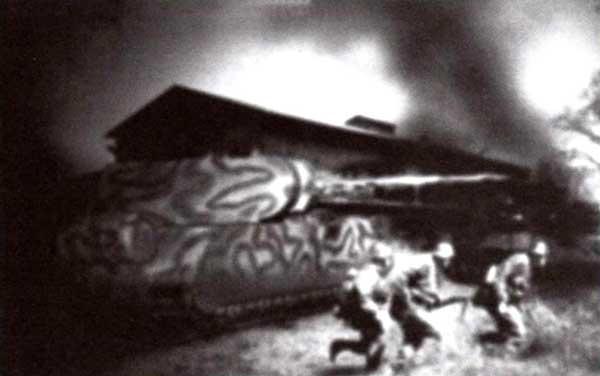 «Маус» в бою. Еще один фантастический рисунок на тему мифического боевого применения немецкого сверхтяжелого танка