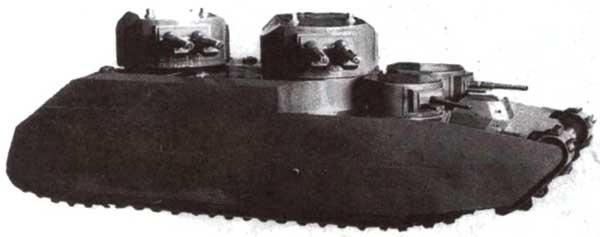 Еще один вариант танка Т-39, вооруженный четырьмя 107-мм пушками — деревянный макет в 1/10 натуральной величины