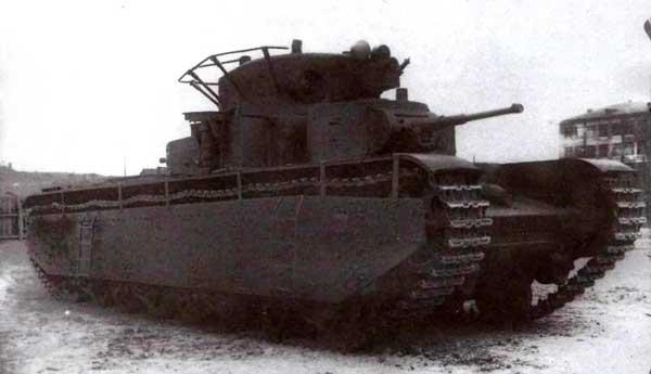 По своим размерам и массе тяжелый танк Т-35 в начале 1930-х годов мог считаться сверхтяжелым. Правда, гипотетическая встреча с «Маусом» не сулила ему ничего хорошего